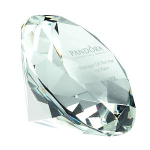 GLASS DIAMOND SHAPED PAPERWEIGHT IN BOX – CLEAR 2.5in