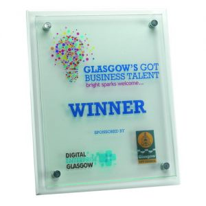 WHITE PLAQUE WITH 6MM GLASS FRONT – 7 x 9in
