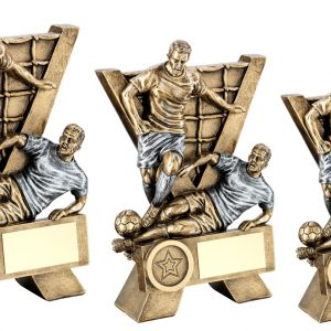 BRZ/PEW MALE DOUBLE FOOTBALL FIGURES WITH V-NET BACKDROP TROPHY