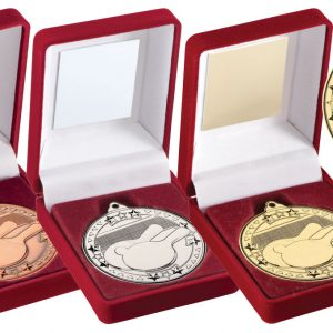 RED VELVET BOX AND 50mm MEDAL TABLE TENNIS TROPHY